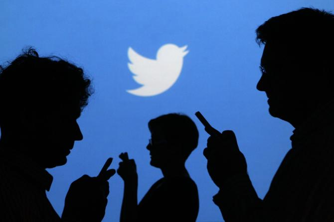 Twitter offers new tools for customer service - CMO Australia